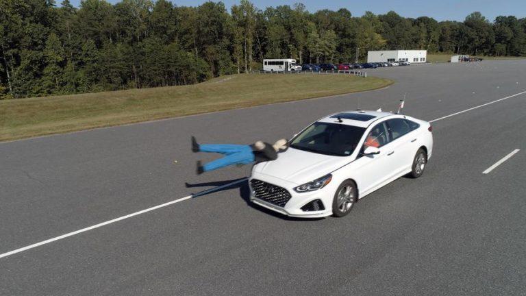 Каких авто больше должен опасаться пешеход