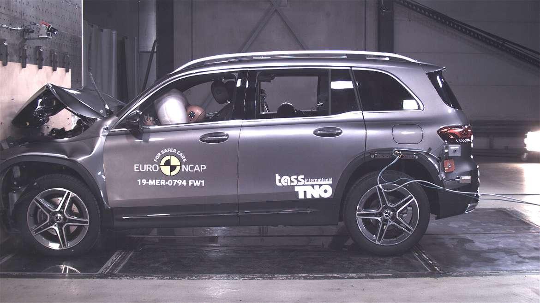 Mazda CX-30 признан самым безопасным авто