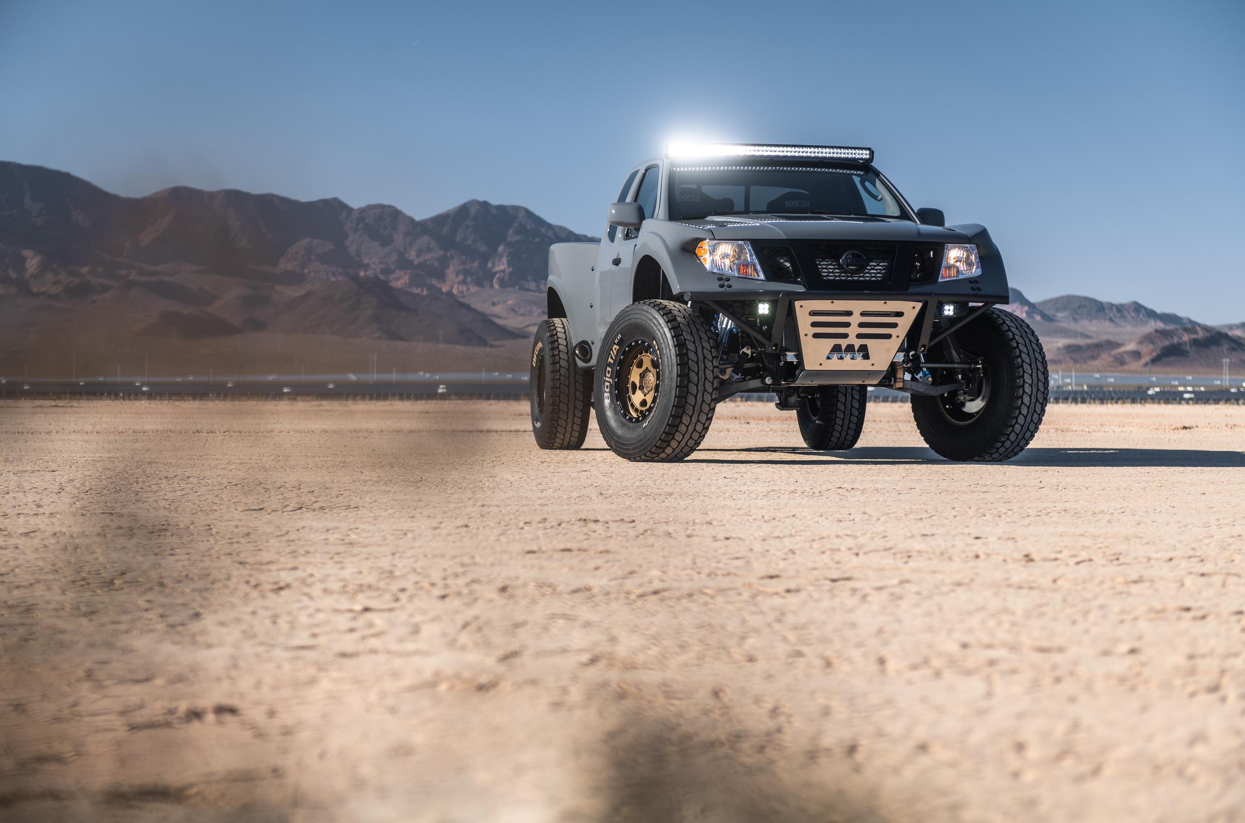 Nissan Frontier V8 готов для гонок по пескам