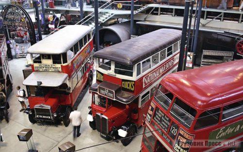 Автобусы из музея транспорта в Лондоне
