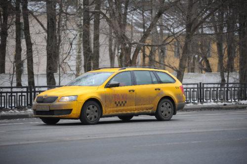 Десятки тысяч подмосковных такси лишились лицензий