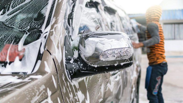 Как уберечь машину от зимних реагентов