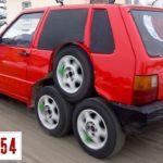 Кулибины поставили Fiat Uno на 8 колес
