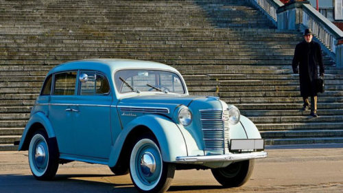 Первый народный автомобиль в СССР «Москвич-400»