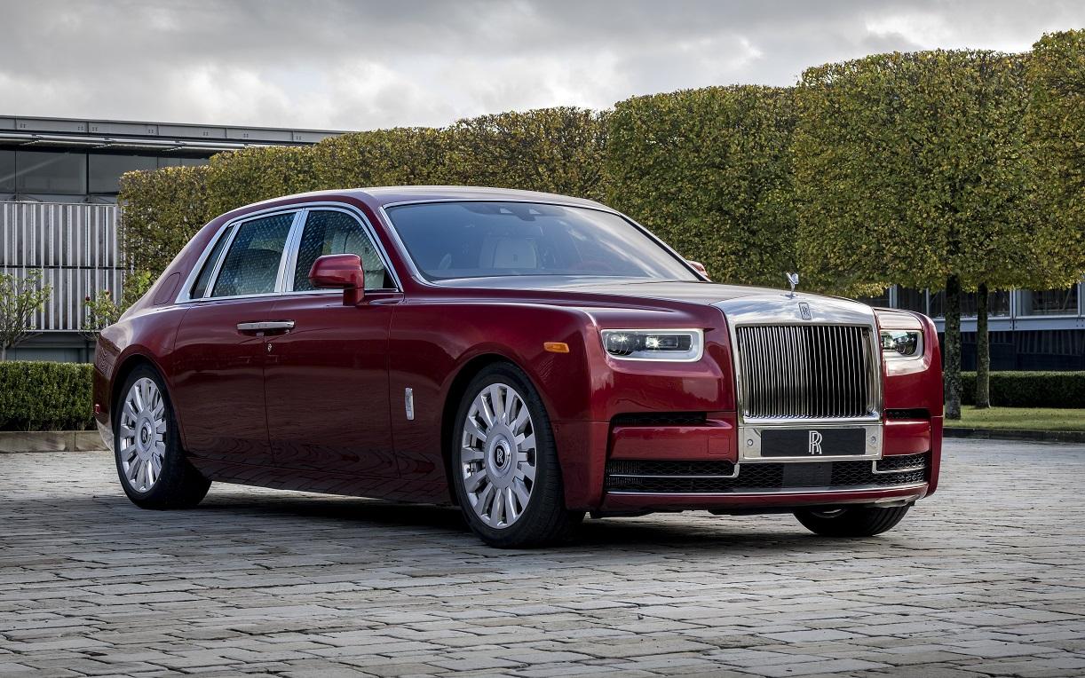 Rolls-Royce Red Phantom: Пять слоёв краски