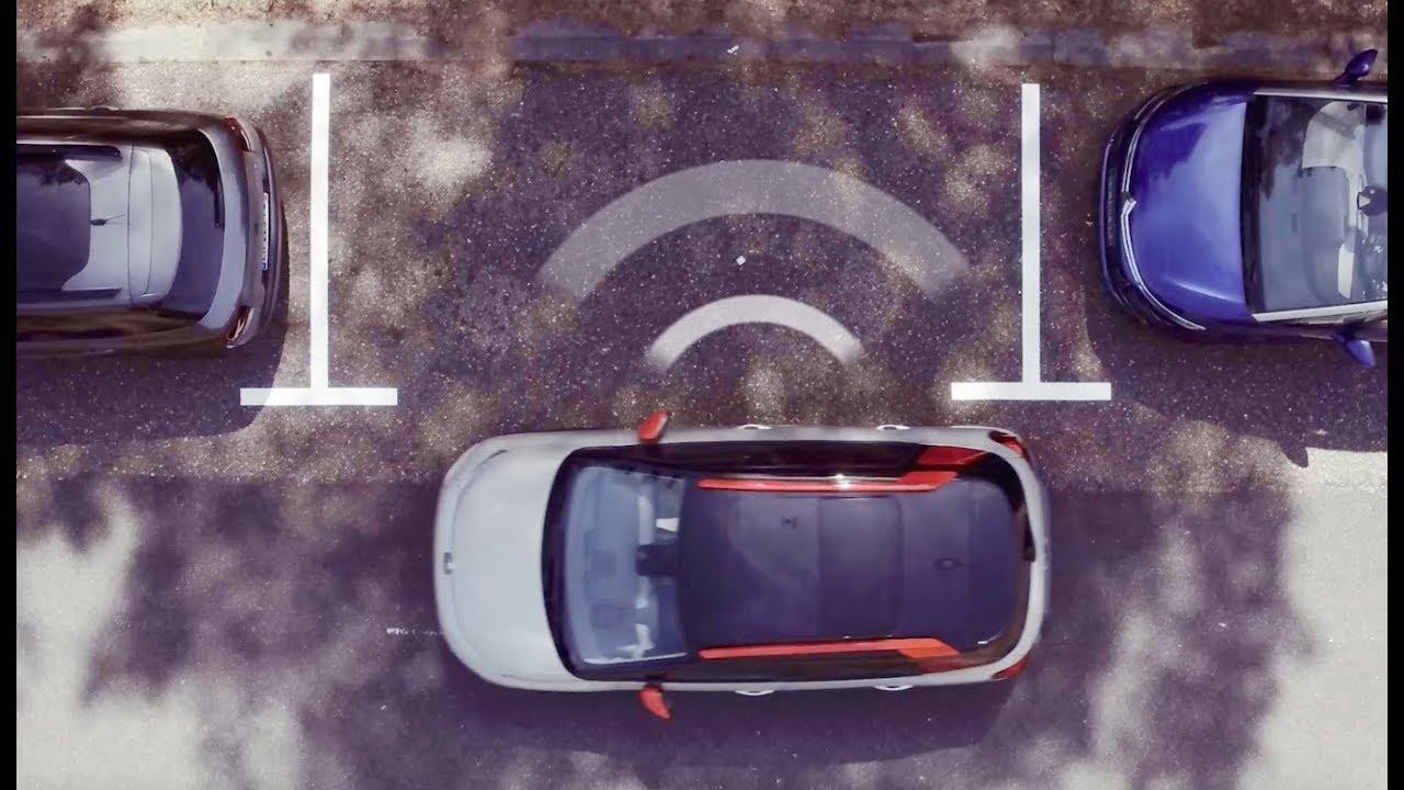 Citroen с перпендикулярной парковкой