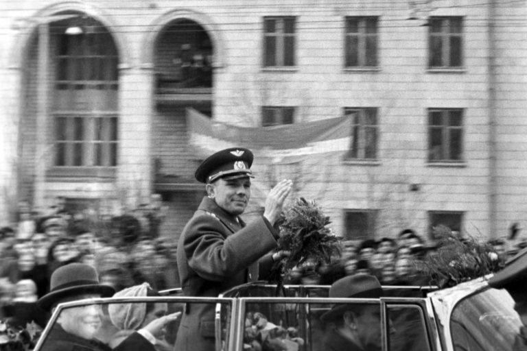Кабриолет ЗИЛ Юрия Гагарина продают с аукциона