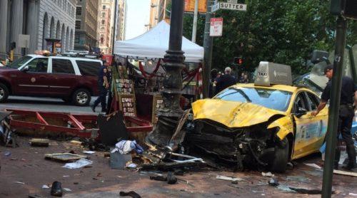 Агрегаторы такси должны отвечать за аварии