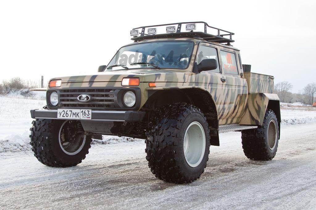 LADA 4×4 с бортовой платформой и гигантскими шинами низкого давления