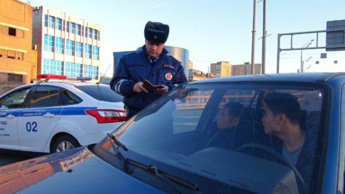 По какой причине ГИБДД отбирает машины у автовладельцев