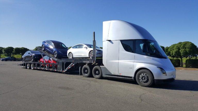 Tesla продает машины дистанционно