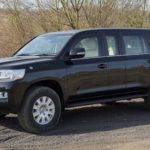 Броневик из Toyota Land Cruiser 200