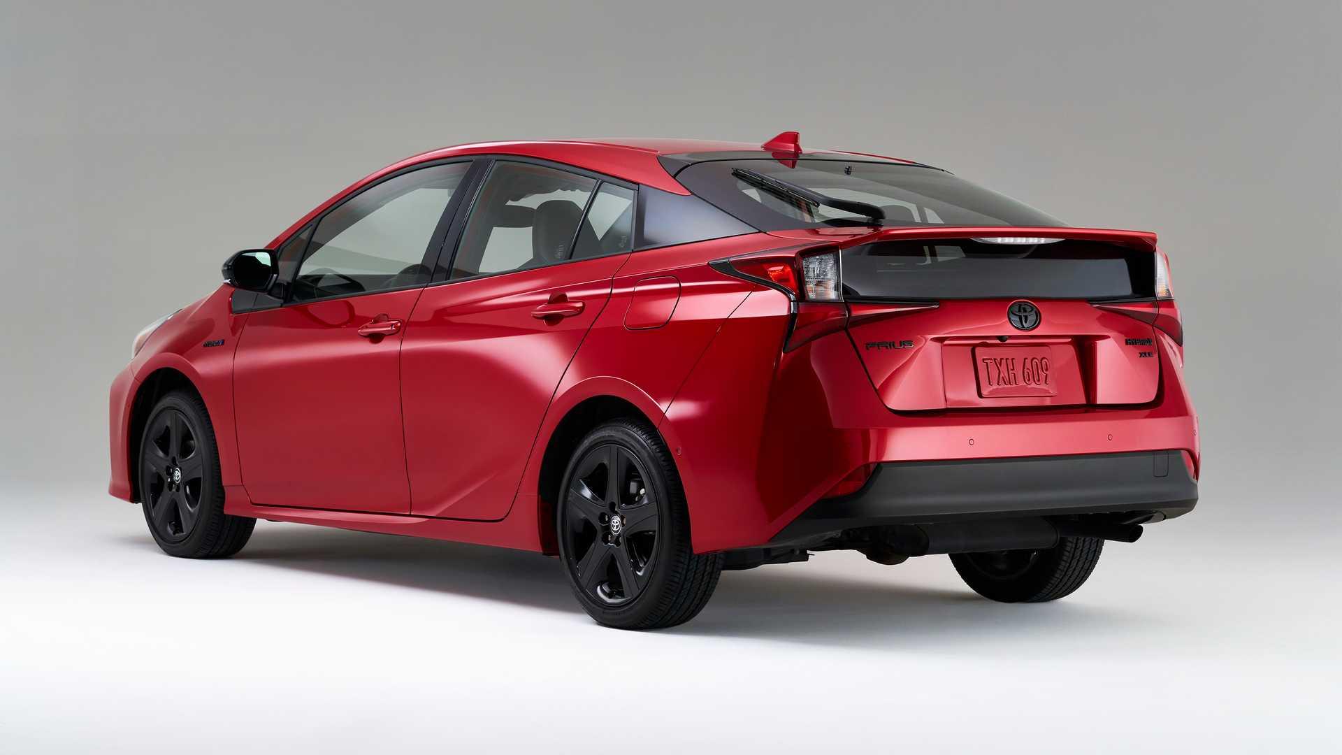 Юбилейный Toyota Prius