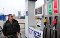 Нонсенс росийского бизнеса - нефть дешевеет, а бензин дорожает