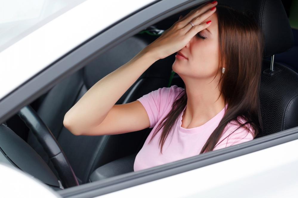Почему женщины-водители путают педали
