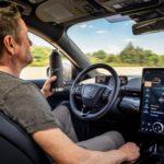 Электрический Ford Mustang Mach E – возможность движения в режиме автопилота