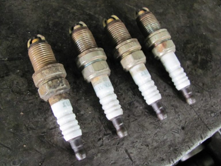 Состояние свечей зажигания расскажет о двигателе все