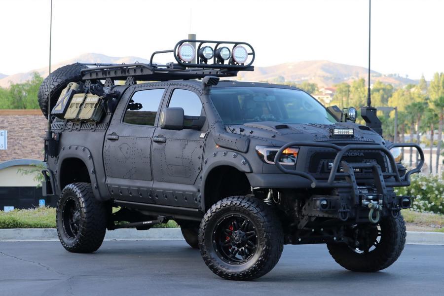 Уникальный бронепикап на базе Toyota Tundra Crewmax