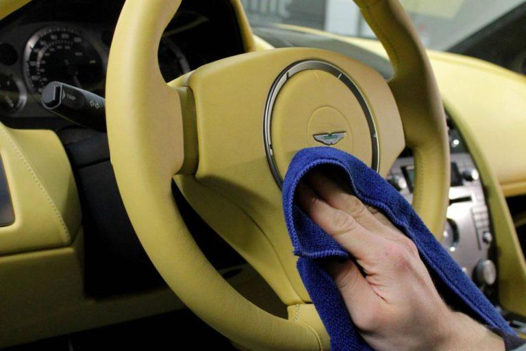 Самый дешевый способ очистить салон авто без автохимии и пылесоса