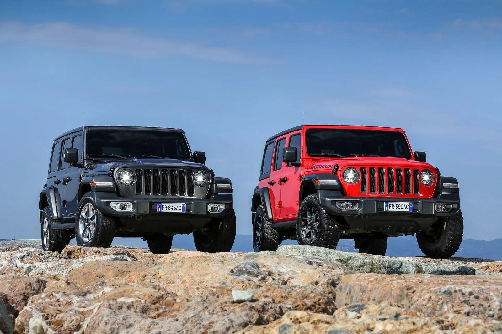 Jeep Wrangler конкурирует с Ford Bronco