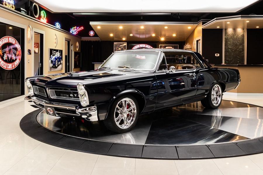 Отреставрированный Pontiac GTO 1965 г. с современным V8