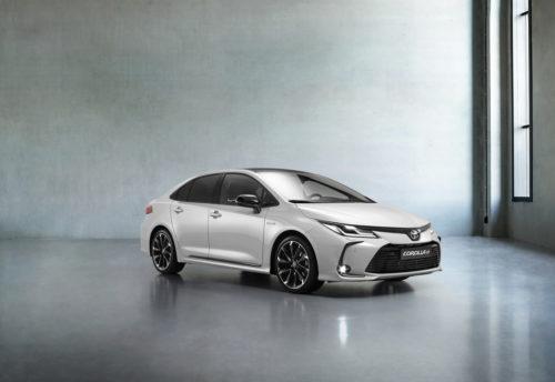 Спортивная Toyota Corolla GR Sport