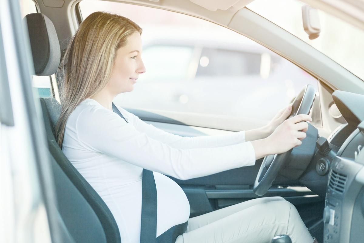 Можно ли беременным женщинам садиться за руль