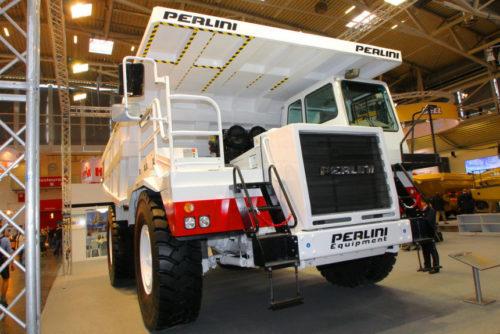 Карьерные грузовики-гиганты Perlini