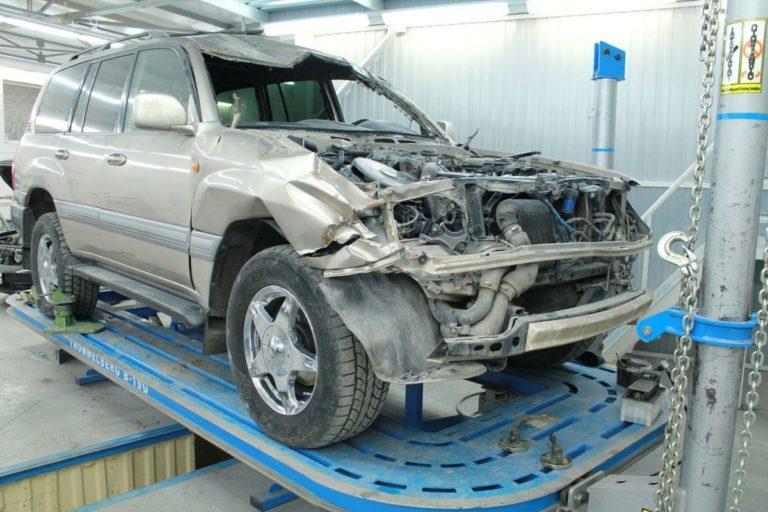 Опасные автомобили из категории «тотал»