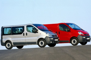 Opel Vivaro один микроавтобус — разные хозяева