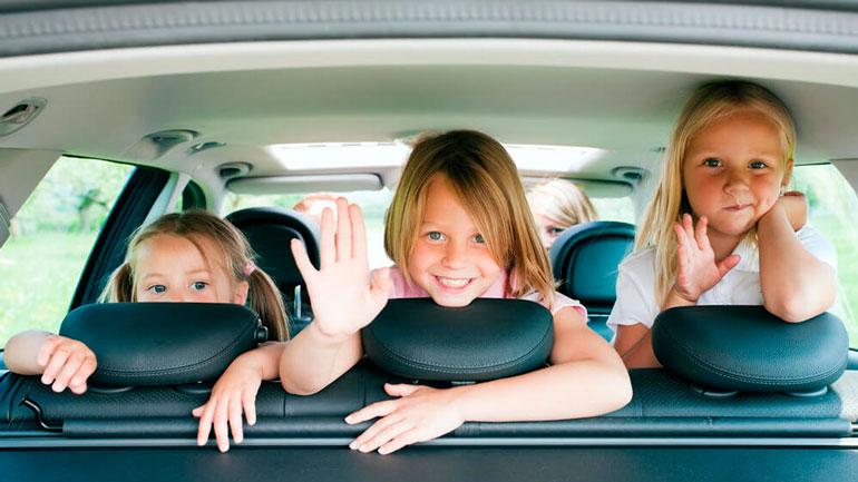 Выдавать машины многодетным семьям бесплатно