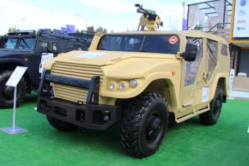Выставка Армия-2020 Тигр-багги и Стрела-амфибия