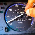 Эксперт – сколько авто по России со скрученным пробегом