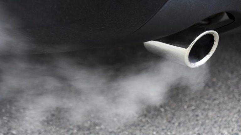 Эксперт - транспортные средства не являются важной причиной загрязнения воздуха
