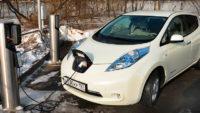 Переходить на электромобили Россия пока не сможет