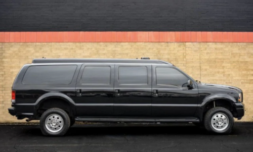 броневик Ford Excursion