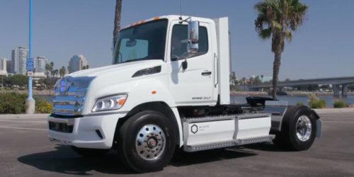 Капотный грузовик Toyota на водороде