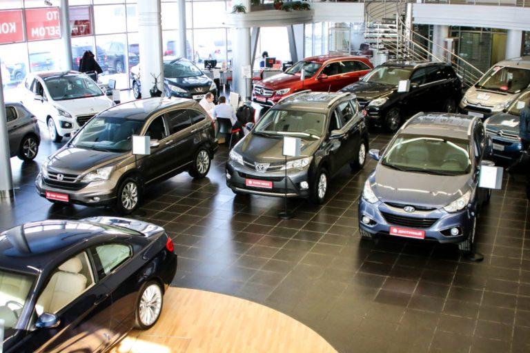 Выгода автосалонов - реализация подержанных авто