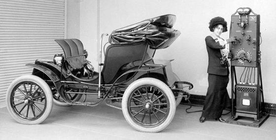 Электромобили как транспорт «периода большой деградации»