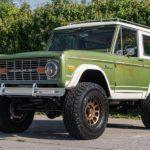 Ford Bronco 1975 после полной реставрации