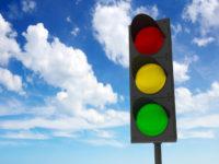 История цветов светофора - красный, жёлтый и зелёный
