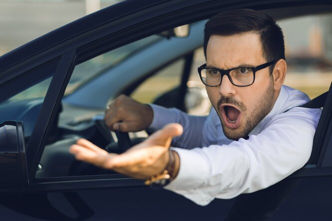 Научное объяснение - почему водители дорогих автомобилей плюют на ПДД