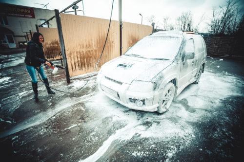 Опасно ли мыть машину зимой