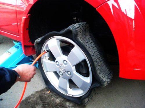 накачивать шины азотом