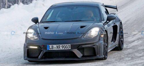 Мощное купе Porsche Cayman GT4 RS
