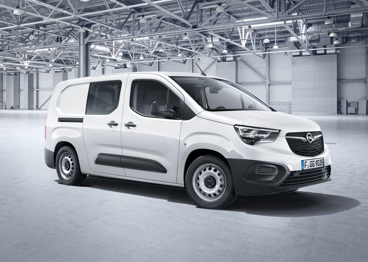 Opel Combo Cargo вместе с Partner и Berlingo