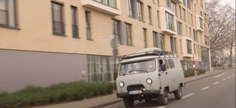 Немцы отправились в «кругосветку» на российской «Буханке»