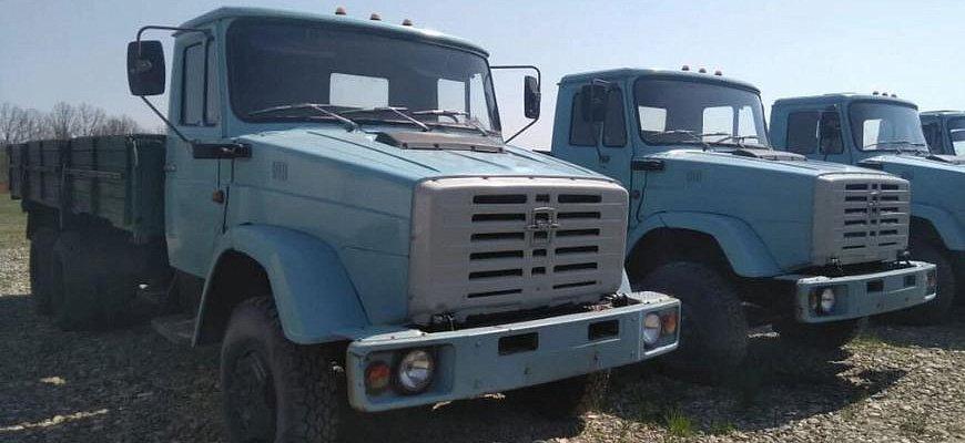 ЗИЛ - автопарк редких трехосных грузовиков