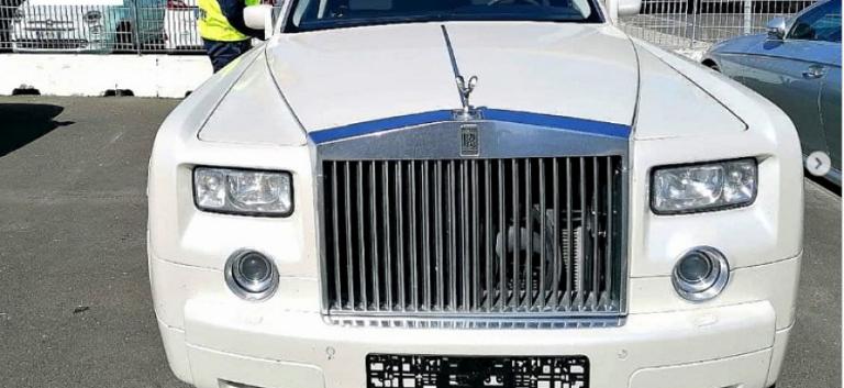 Итальянцы конфисковали у россиянина Rolls-Royce Phantom из-за салона из крокодиловой кожи