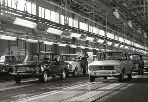 УАЗ-452 и ГАЗ-21 Значение цифр